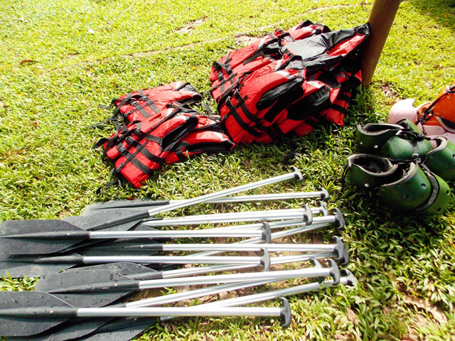 Rafting gears provided to the participants