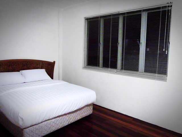Benarat Lodge - Air-cond room 1